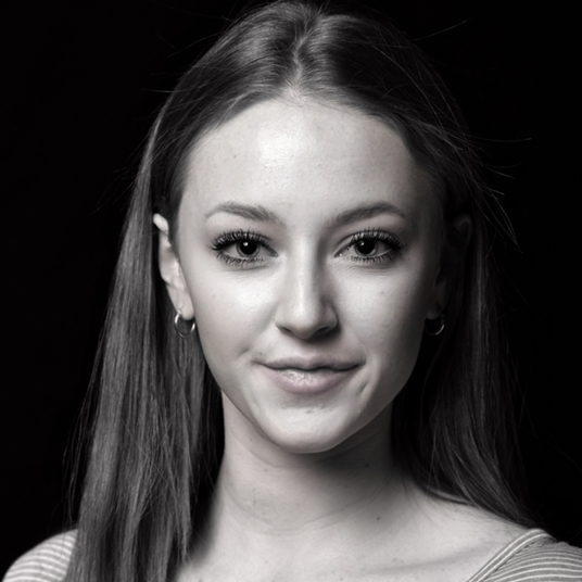 Kate Heffernan ('20) head shot