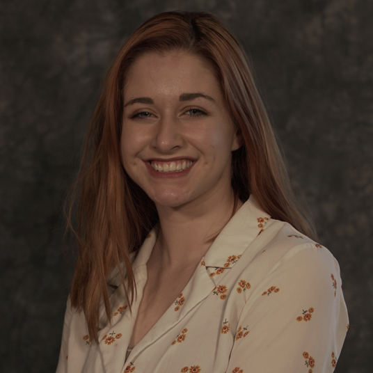 Isabelle Wray ('21) head shot