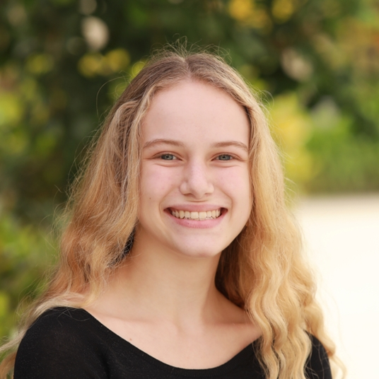 Laura Jones '21 head shot