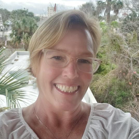Shelley Finn head shot